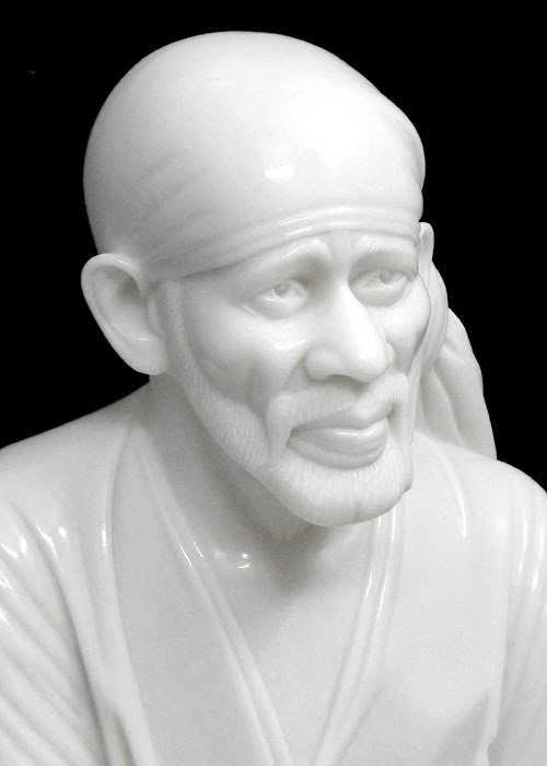 smiling face sai baba